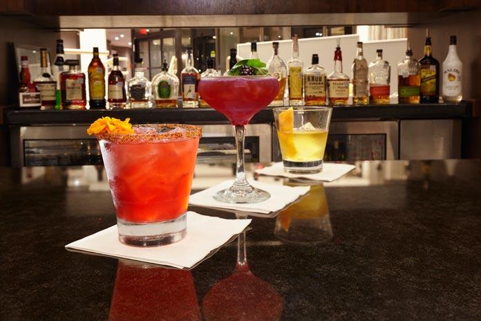 DoubleTree Dallas cocktails