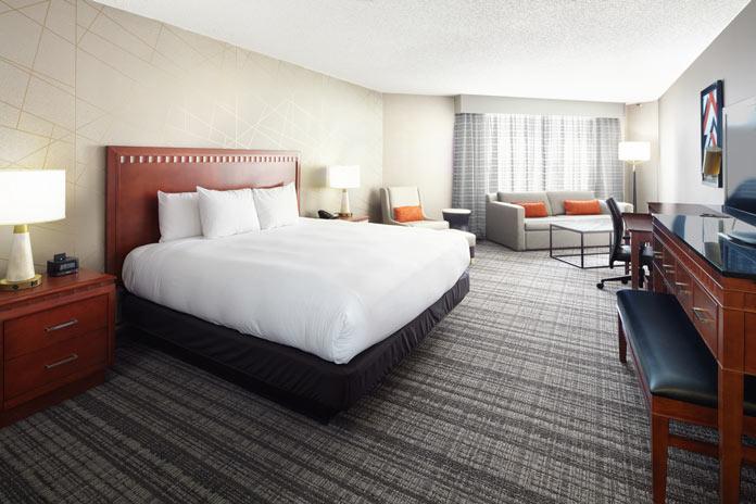 DoubleTree Dallas king guestroom